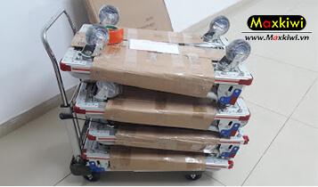 Xe đẩy hàng sàn nhôm được nhiều khách hàng ưa chuộng