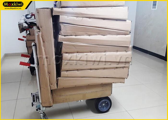 Xe đẩy hàng 2 trong 1 có khả năng vận chuyển được rất nhiều hàng hóa