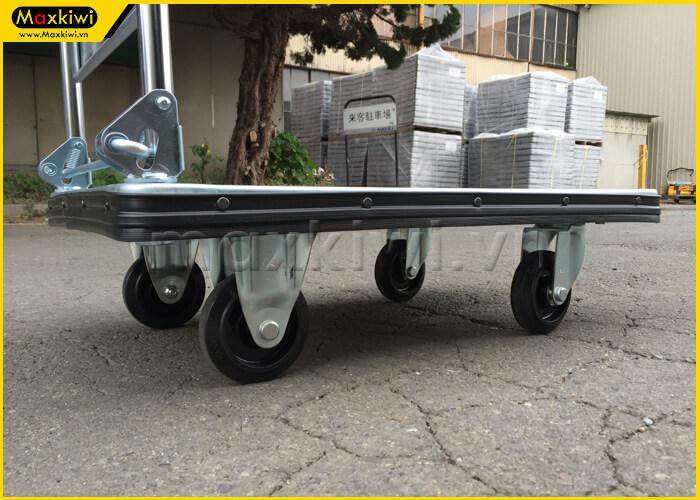 Bánh xe là bộ phận di chuyển chính của xe đẩy hàng