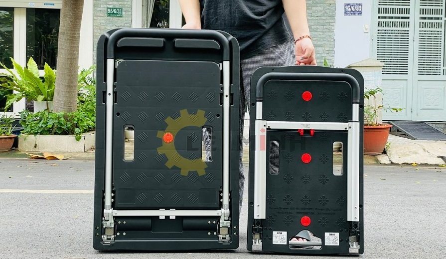 Sàn xe đẩy hàng 4 bánh gấp gọn được cấu tạo từ nhựa ABS cao cấp